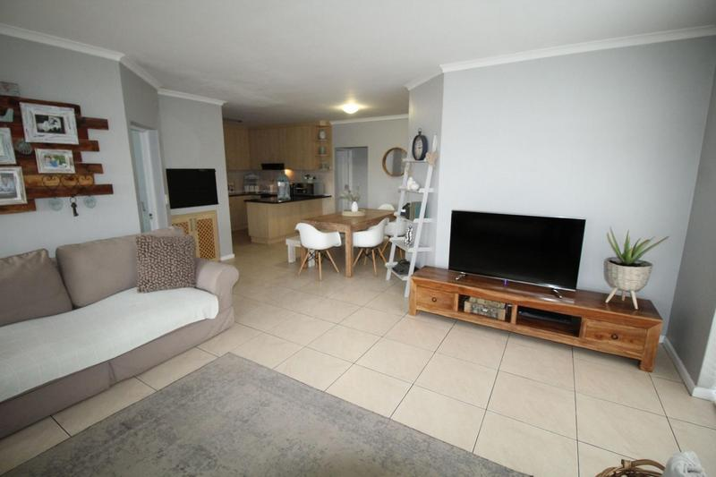 Property For Sale in Sonstraal Heights, Durbanville 4