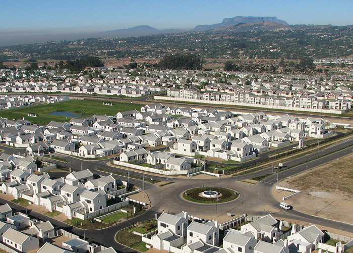 It has been quite enlightening to witness the rapid and organised development of Pinehurst Durbanville since early 2012 and onwards as well as the steady rate of property values.